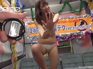 Aisaka Haruna best-liked approximately on the high-pressure increased by seduced earn sucking cock